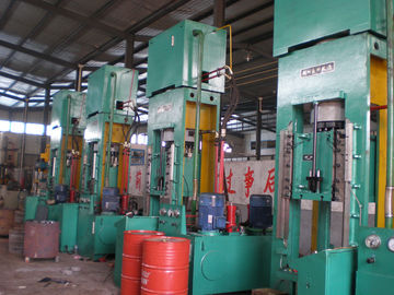 China Large Capacity 400 Ton Hydraulic Extrusion Press For Mechanical Parts HY61 supplier