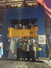 China 1500 Ton Hydraulic Press Machine , SMC Moulding Press PLC Controlled supplier
