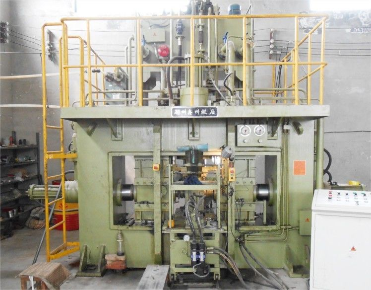 Three Directional Hydraulic Extrusion Press 500 Ton For Axle Crank / Shafts